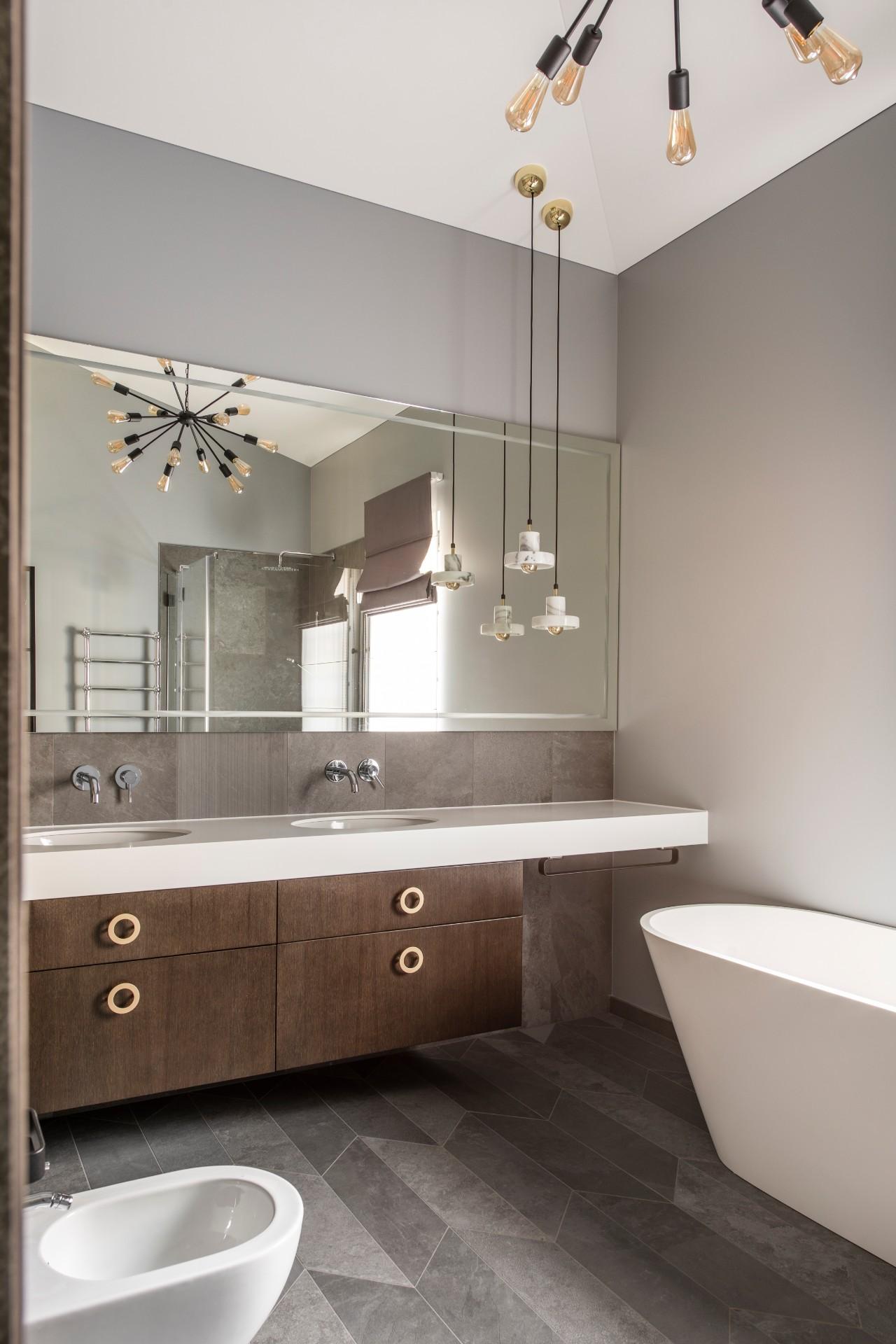 Sodybos interjeras vonios kambarys